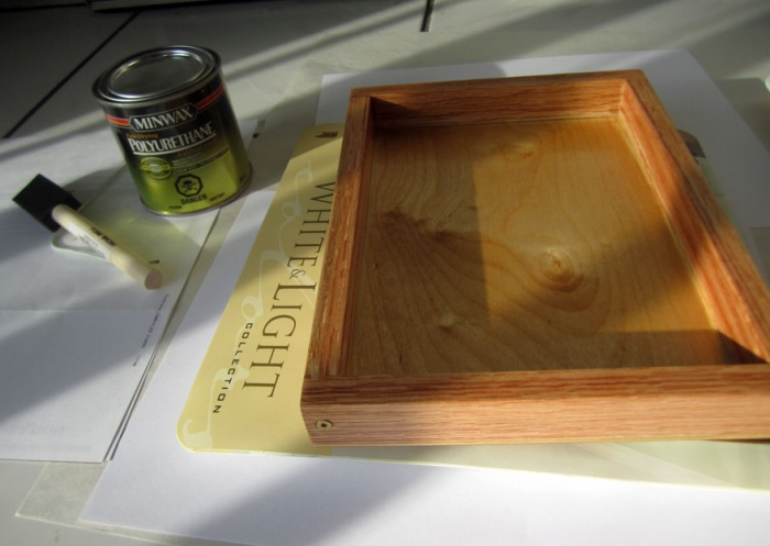 DIY Pochade Box - varnish applied
